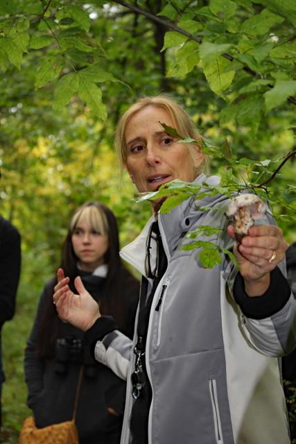 Amateur mycologist Suzanne Monnon did a fabulous job of leading our field trip.